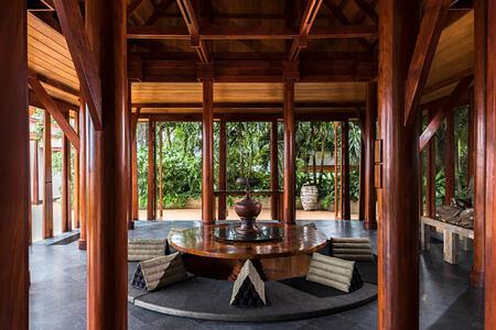 sunken dining sala at amanpuri hotel phuket