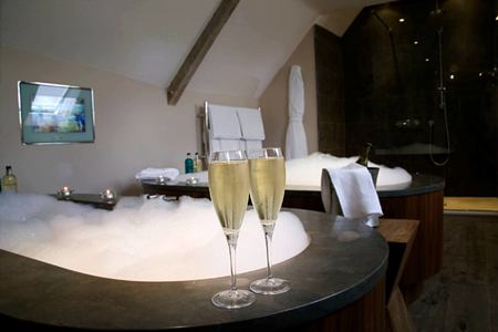 Woodchester double bathroom at calcot manor england uk
