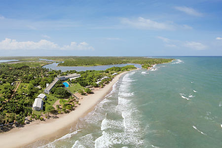 aerial-view-of-trinco-blu-by-cinnamon-hotel-sri-lanka