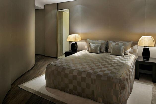 deluxe bedroom at armani hotel dubai