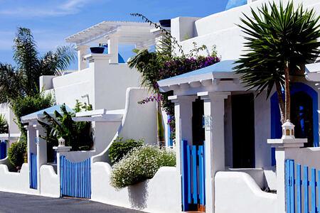 villa entrance off the calle at Bahiazul Villas and Club