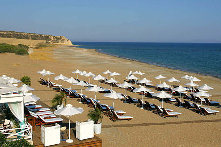 beach set up at aphrodite hills hotel cyrpus