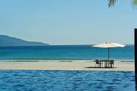 breakfast on the beach at fusion maia resort vietnam