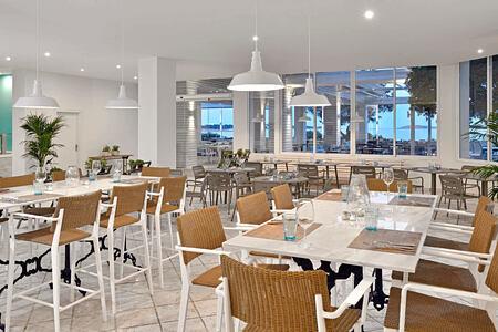 buffet restaurant at sol beach house