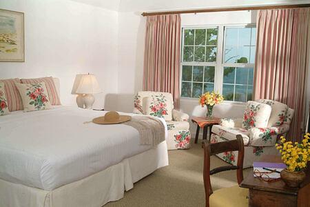 deluxe ocean view bedroom at cambridge beaches resort and spa bermuda