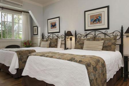 deluxe twin bedroom at hotel grano de oro costa rica