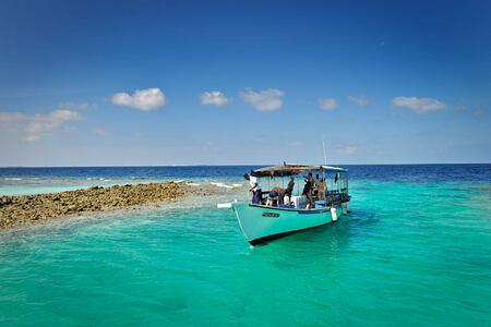 dive boat at Bandos Island Resort Maldives