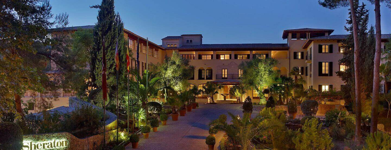 entrance-of-sheraton-mallorca-golf-hotel
