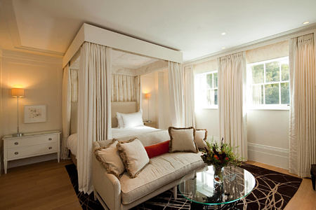 four poster comfort bedroom at coworth park england uk