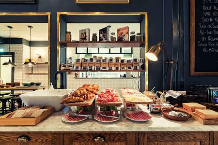 breakfast at hotel borg