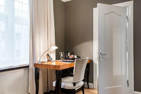 single room at hotel borg