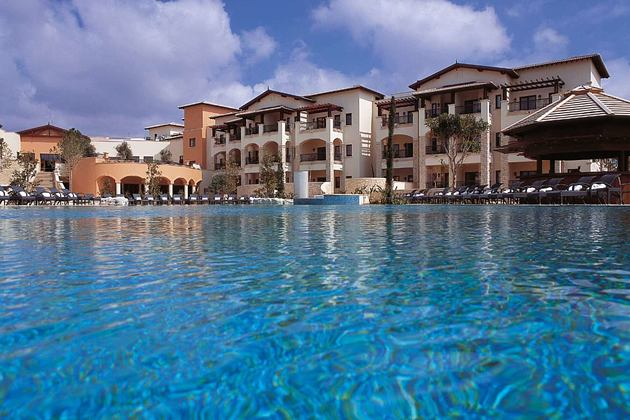 intercontinental hotel and pool at aphrodite hills hotel cyrpus