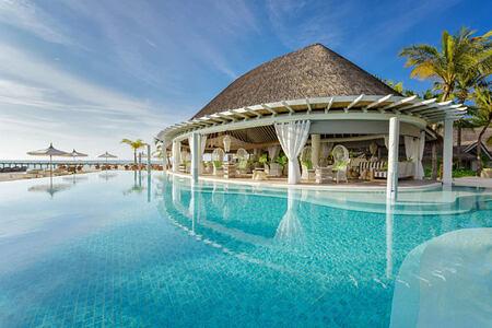 cowry club at Kanuhura hotel Maldives