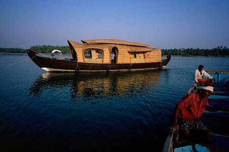 river boat at Neeleshwar hotel