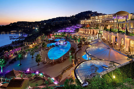 night view of the resort at sianji wellbeing resort turkey