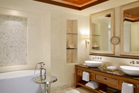 ocean suite bathroom at st regis island resort abu dhabi
