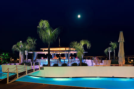 quaya bar at night at sianji wellbeing resort turkey