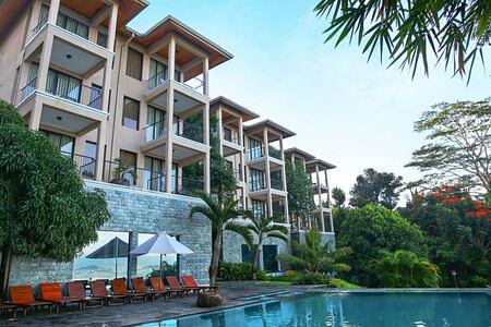 exterior at Randholee Resort & Spa
