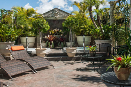 rooftop garden and jacuzzis at hotel grano de oro costa rica