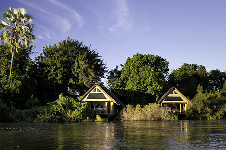 sindabezi from the river at tongabezi hotel zambia