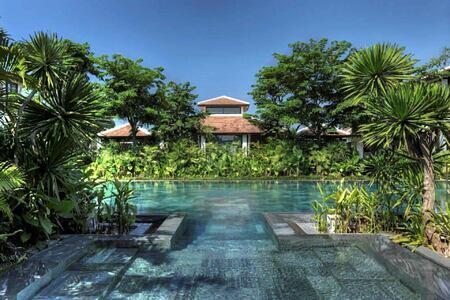 spa and spa pool at fusion maia resort vietnam