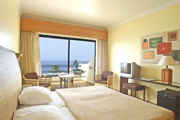 standard room sea view at Gaolosol Resort Madiera