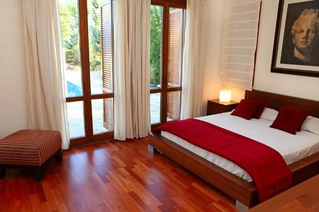 superior villa bedroom at aphrodite hills hotel cyrpus