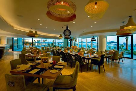 vibe restaurant at The Retreat Palm
