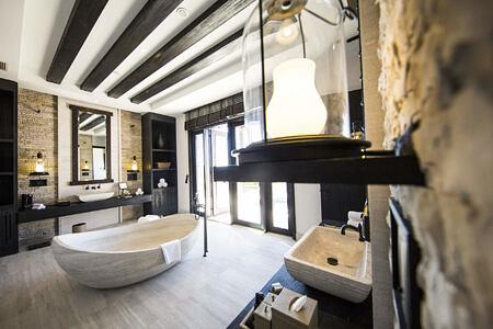villa jows bathroom at alila jabel akhdar resort oman