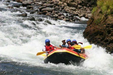 white water rafting at finca rosa blanca resort costa rica
