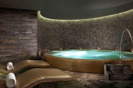 Atarmia Spa whirlpool at the Park Hyatt Abu Dhabi