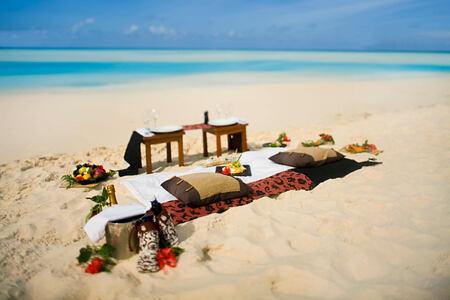 Beach picnic at Banyan Tree Seychelles