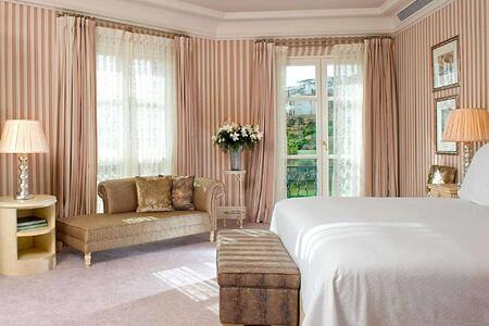 Bedroom Villa at Villa Padierna Spain