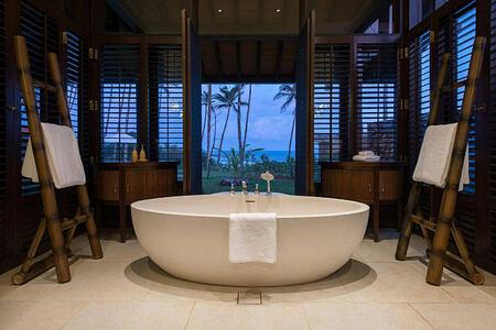 Stone tub in bathroom at Cape Weligama Sri Lanka