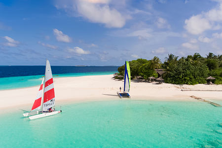 yachting at reethi beach resort maldives