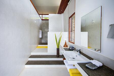 Bathroom at Tri Lanka Sri Lanka