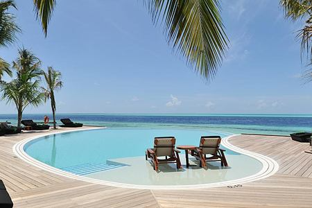 Infinity Pool at Komandoo Maldives