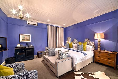 Mountian view Suite bedroom at La Fontaine Franschhoek South Africa