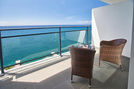 Premium Suite balcony with Sea View at Vidamar Madeira