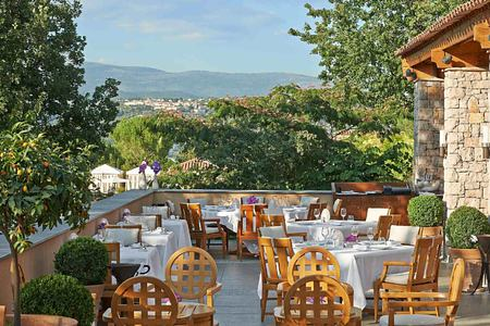 Restaurant Faventia terrace at Terre Blanche Golf and Spa Resort France