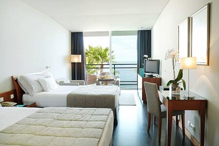 Superior Front Sea View Twin Room at Vidamar Madeira