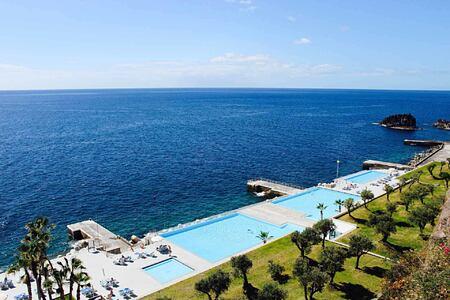 outdoor swimming pools at Vidamar Madeira