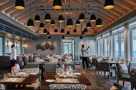 Restaurant at Four Seasons Ocean Club Bahamas