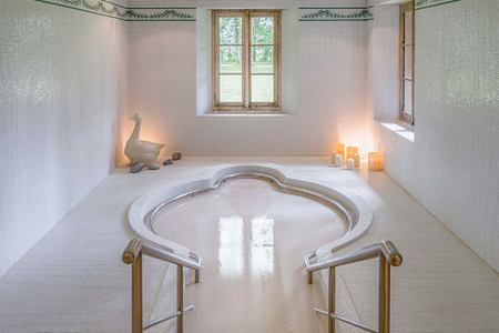 Spa bath at Les Pres dEugenie France