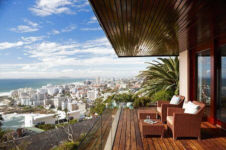 Bantry Bay Villa Lilac room deck