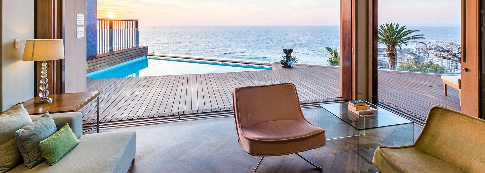Bantry Bay Villa lounge and pool