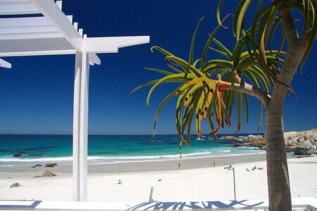 Glen Beach Villa beach