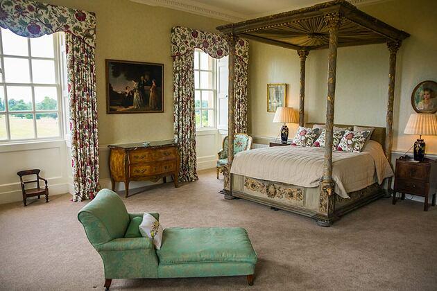 Kirtlington Park Dashwood bedroom